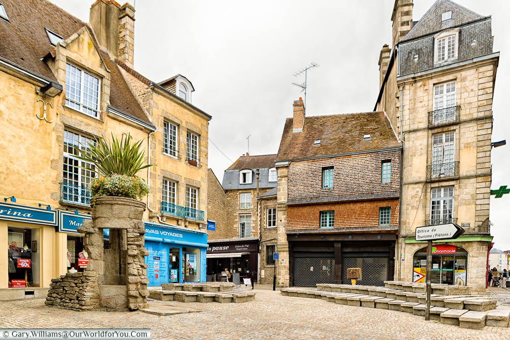 On the pedestianised corner of Grand Rue in Alençon.