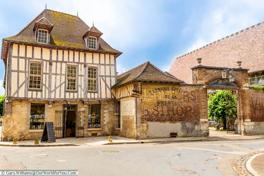 A beautiful half-timbered shop in Troyes, selling Champagnes & wines of the region.