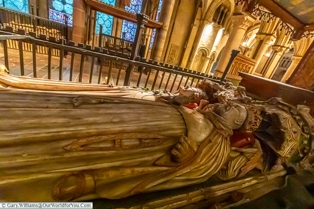Effigies of King Henry IV and Joan of Navarre carved in marble on their shrine in Canterbury Cathedral, Kent