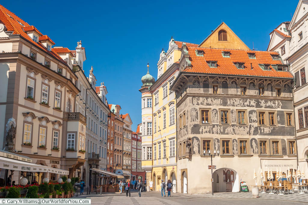 A view of the House at the Minute from the lane that leads from old town square in Prague
