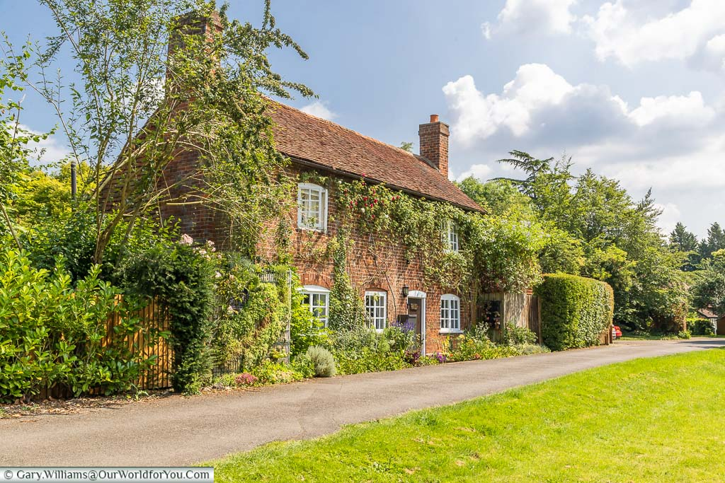 """Featured image for """"A delightful visit to the village of Otford in Kent"""""""