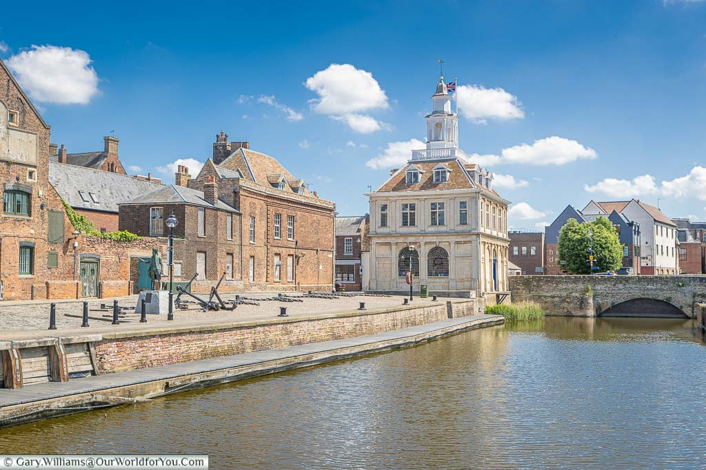 Looking along Purfleet Quay to the Customs House in the historical quarter of King's Lynn, Norfolk