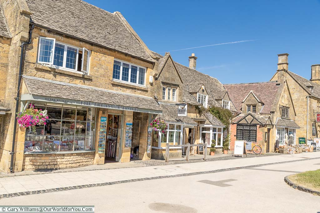 The beautiful Cotswold stone village shops of Broadway, Worcestershire