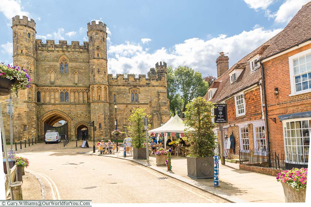 17th-century buildings on Battle High Street in front of the Abbey Gatehouse