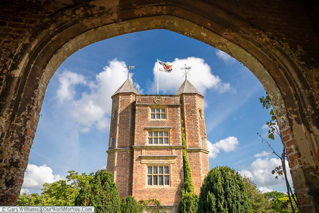 """Featured image for """"A beautiful day visiting Sissinghurst Castle Garden in Kent"""""""