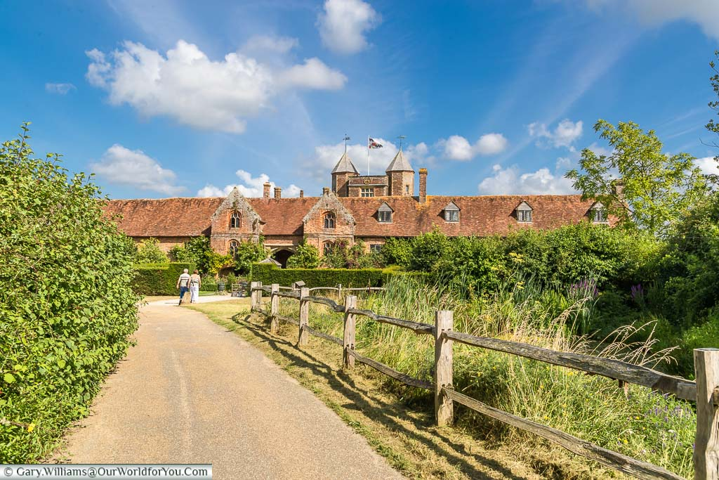 The path leading to the Elizabethan fronted manor house of Sissinghurst Castle Garden